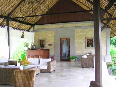 Construction and maintenance of villas in Bali